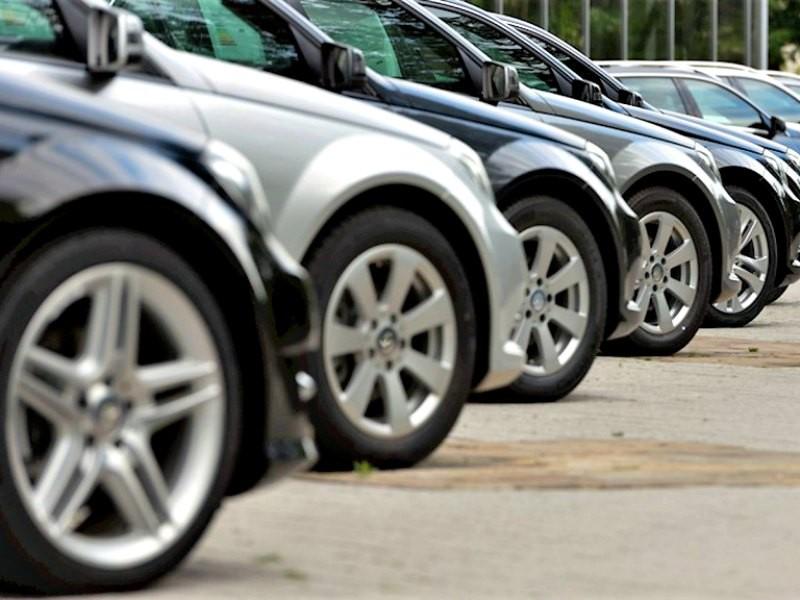 ¿Que impuestos pagan los autos y como inciden en el precio?